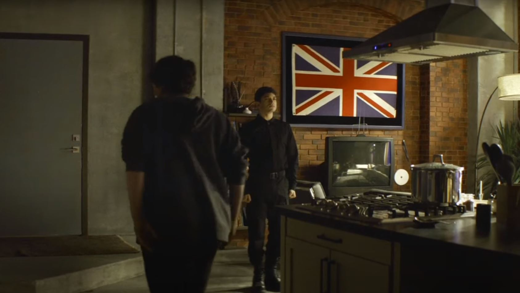the-walking-dead-world-beyond-union-jack